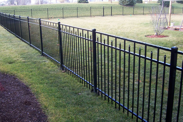 CommercialFencing2-SignatureLandscapeInc-LittletonCO